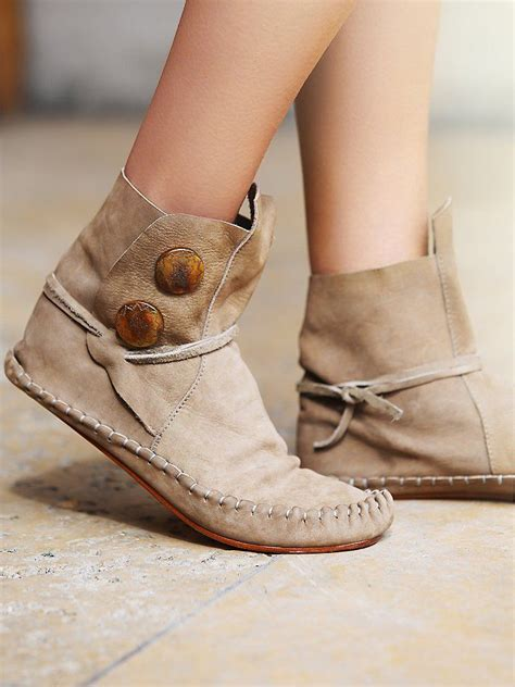 best 25 moccasins ideas on moccasin boots
