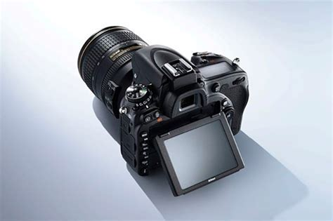 The Nikon D750   A D700 Successor, or D600 Damage Control?