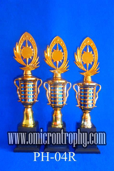 Jual Klakat Semarang jual piala penghargaan semarang omicron trophy