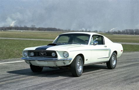 ford mustang pictures by year 169 automotiveblogz ford mustang through the years photos