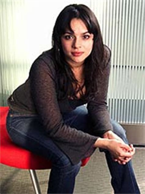 Norah Jones Told To Drop A Few Pounds norah jones i was told to lose weight for