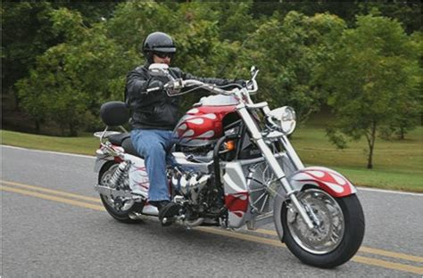 Boss Hoss Bike Review by Boss Hoss Bhc 3 Zz4 Motorcycle Road Test From Kirk At