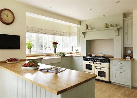 Small U Shaped Kitchen table de cuisine avec plan de travail cuisine en bois
