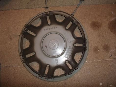Toyota Hubcaps Used 1 Used 14 Toyota Hubcap Wheel Trim Wheel Cover For Sale In