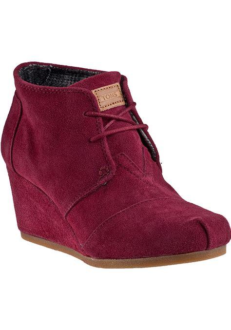 toms desert wedge boot burgundy suede in pink lyst