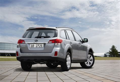2011 subaru outback mpg 2011 subaru outback price mpg review specs pictures