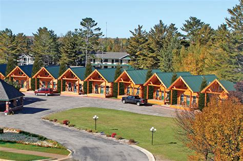 Cabins Near Mackinaw City by Mackinaw City Hotels Cabins Of Mackinaw
