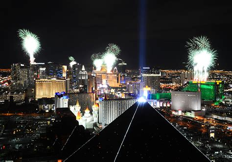 new years las vegas 2015 fireworks new year s celebrations 2015 las vegas