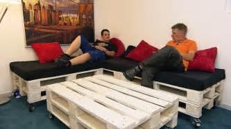sofa aus paletten chill sofa aus paletten bauanleitung ulf hogr 228 fer