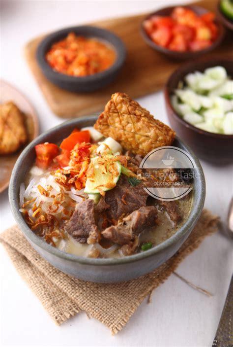 soto daging kuah santan beef soup  coconut milk