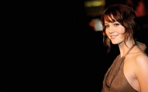 Elizabeth Winstead Proof Wallpaper