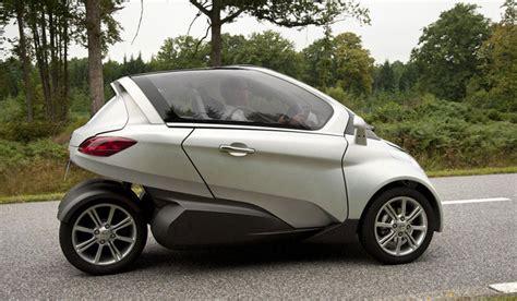 peugeot citroen reveals its futuristic velv concept car