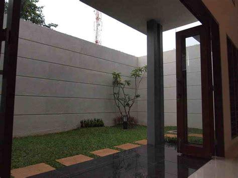 desain dapur terbuka ke taman contoh desain taman belakang rumah minimalis modern