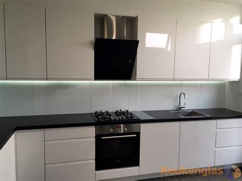 achterwand keuken led witte glazen keukenwand met led in schiedam keukenglas