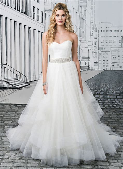 Wedding Dresses for Big Busts: Tips and Top Picks