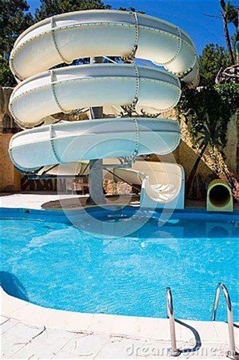 swimming pool  water     backyard