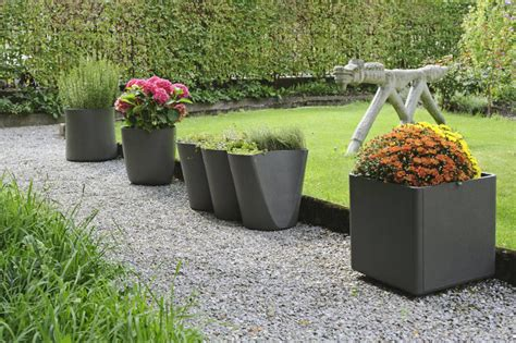 Exterior Planters Large by Choosing A Large Outdoor Planters Front Yard Landscaping