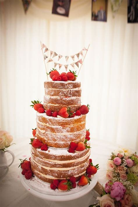 17 Best ideas about Strawberry Wedding Cakes on Pinterest
