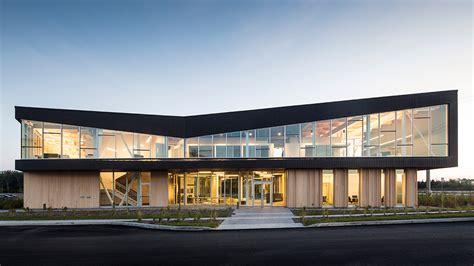 bureau construction nouveaux bureaux de pomerleau par kollectif