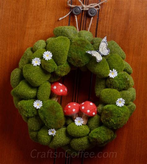 Springtime Wreaths 9 examples of springtime wreaths to make for your home