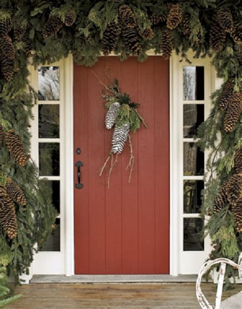 Pine Cone Door Decoration by Creative Uses For Pine Cones In Your Decor