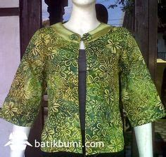 Kain Batik Prada Pekalongan Bunga Sepatu Warna Biru Tanpa Embos blouse batik kutu baru dari bahan kain katun prima dengan motif bali prada warna hitam