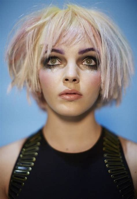 blonde bob characters 847 best images about round layered bob on pinterest