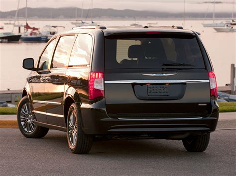 chrysler minivan 2015 chrysler town and country price photos reviews