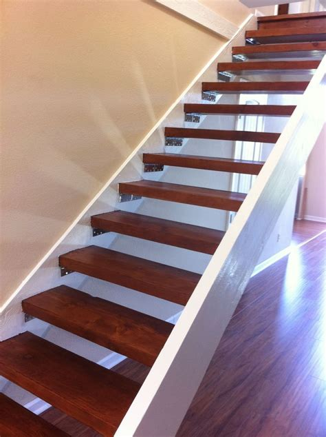 Floating Stairs 25 Best Ideas About Floating Stairs On Modern