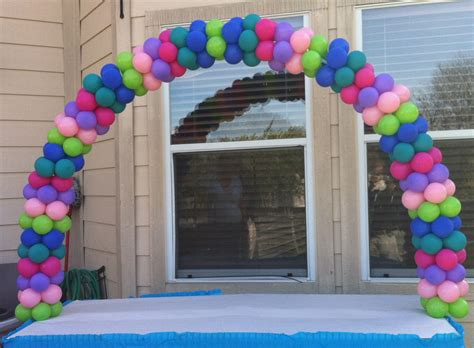 Balloon arch party favors ideas