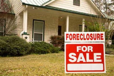 zillow adds 1 2 million foreclosure properties to website