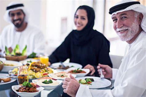 consolato dubai consigli di viaggio emirati arabi cosa mangiare clima