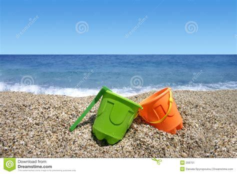 imagenes de vacaciones en la playa la playa juega las vacaciones de verano imagen de