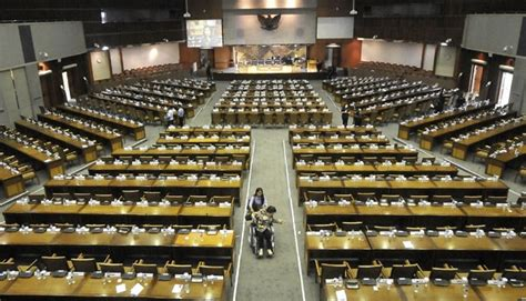 Kursi Anggota Dpr pdi perjuangan anggap alokasi kursi dpr bermasalah nasional tempo co