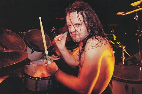 Topi Trucker Band Metallica Through The Never cinesource magazine