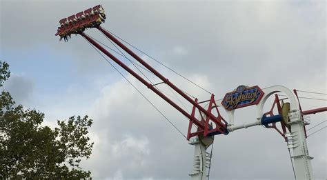 cedar point swing ride cable snaps on 100km h amusement park ride gizmodo australia