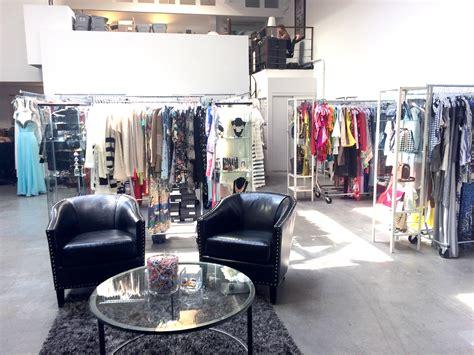 la show room light prwomen s fashion geo1 s fashion mens fashion