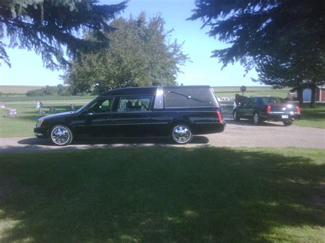 large hearse and sedan jpg 700 215 525 funeral homes