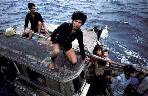 vietnamese boat people 30 incredible color photographs that capture brutal life