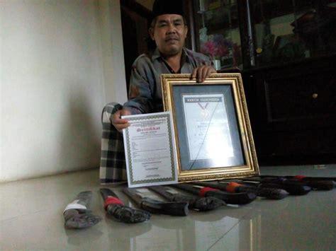 Golok Banten Tradisional Golok Antik Kuat komersialisasi golok ciomas sesatkan makna filosofis senjata tradisional banten