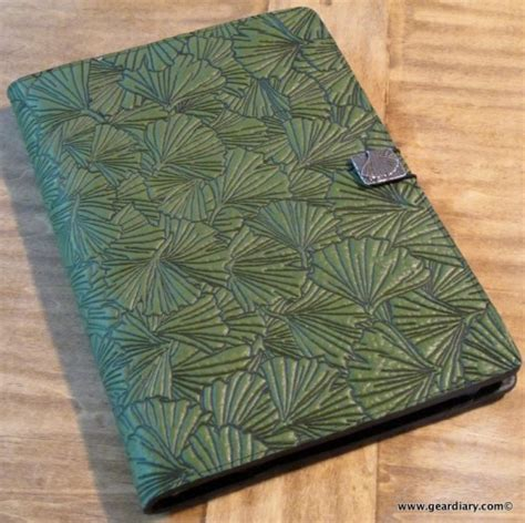 oberon design kindle cover the oberon design kindle dx cover review geardiary