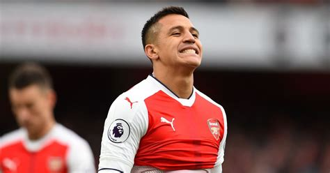 alexis sanchez mirror alexis sanchez back at arsenal and will resume training on