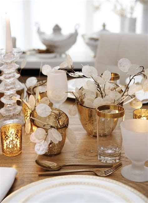 gold christmas table settings