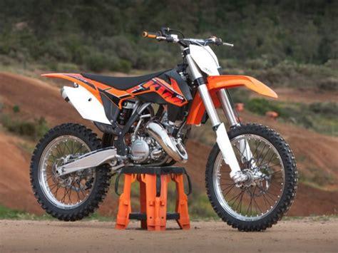 Motocross Motorrad Führerschein by Ktm Optimiert Seine Motocross Modelle Auto Motor At