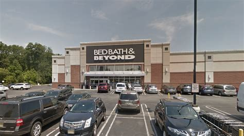 bed bath and beyond leesburg 2 men arrested for performing sex act on display bed at bed