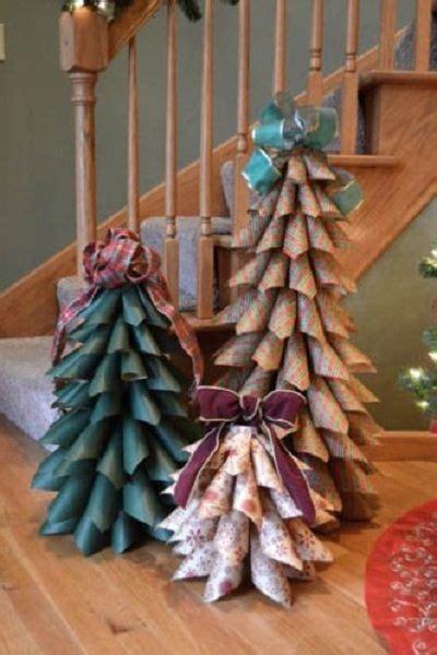 arboles de navidad hechos con revistas adornos de navidad hechos con revistas recicladas
