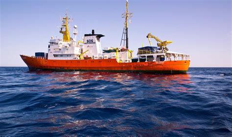 aquarius bateau carte l italie ferme ses ports 224 l aquarius le bateau qui porte