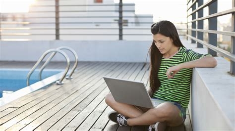 college work flexible part time jobs for students can seriously offset