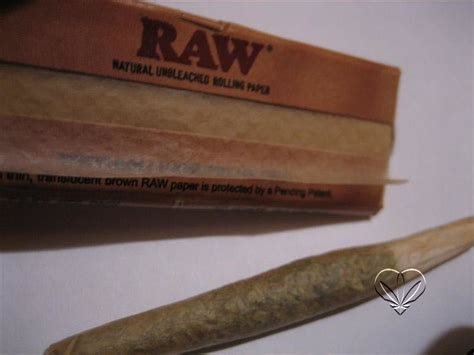 How To Make A Blunt Out Of Paper - you want this the paper not a blunt 5 bucks 5