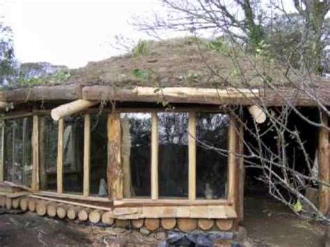 building a cobwood roundhouse in cornwall